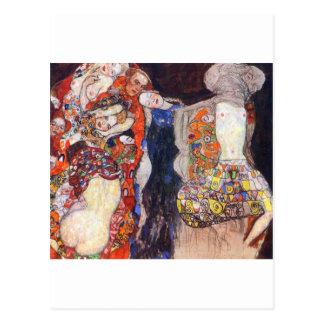 Klimt adorna a la novia con velo y la guirnalda tarjetas postales