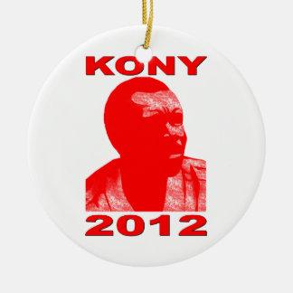Kony 2012. Haga a los niños invisibles visibles. Adorno Navideño Redondo De Cerámica