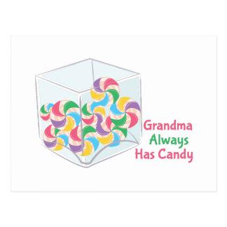 La abuela tiene siempre caramelo postal