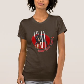 La agilidad del Doberman teje Camiseta