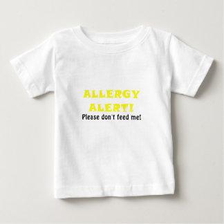 La alarma de la alergia no me alimenta por favor camiseta de bebé
