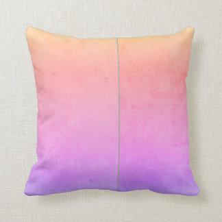la almohada de encargo añade su propio rosa y gris