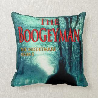 La almohada de tiro del diseñador del Boogeyman