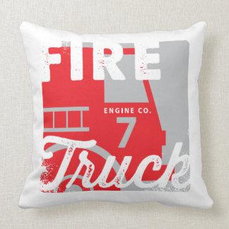 La almohada del coche de bomberos de los niños