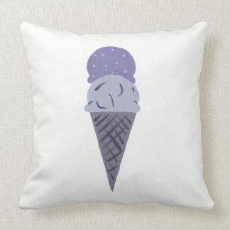 """La almohada púrpura linda """"vida del cono de helado"""