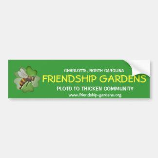 La amistad cultiva un huerto pegatina para el para etiqueta de parachoque