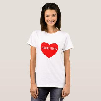 La Argentina en la camiseta básica del corazón de