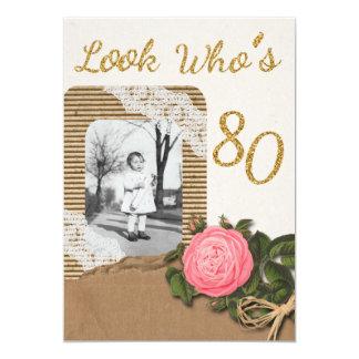 La arpillera rústica y el 80.o cumpleaños subió invitación 12,7 x 17,8 cm