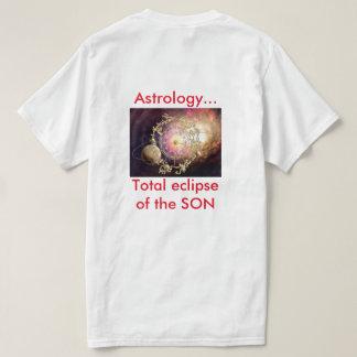 La astronomía eclipsa la camiseta de la astrología