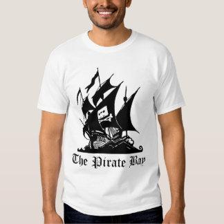 La bahía del pirata (blanca) camisetas