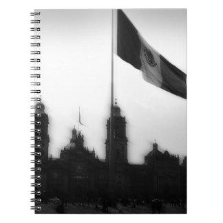 La Bandera 10 de la estafa del EL Zocalo del DF de Libreta Espiral