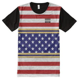 La bandera de América colorea la camiseta de los