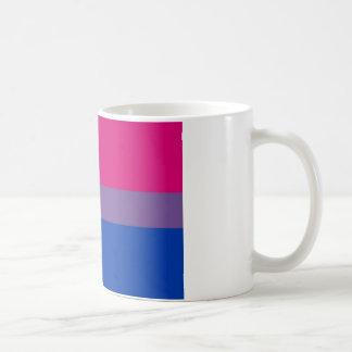 La bandera del BI vuela para el orgullo bisexual Taza Básica Blanca