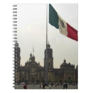 La Bandera Mexica de la estafa del EL Zocalo del D Libro De Apuntes Con Espiral