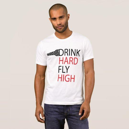 La bebida difícilmente, vuela arriba camiseta