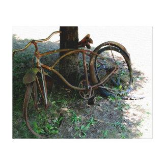 La bicicleta vieja impresiones en lona estiradas
