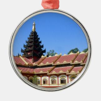 La birmano Keng de Phra Jow del templo budista Adorno Redondo Plateado