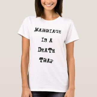 La boda es una camiseta del blanco de la trampa de