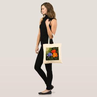 La bolsa de asas armenia de los rosas