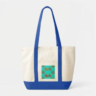 La bolsa de asas azul clara de la playa de la