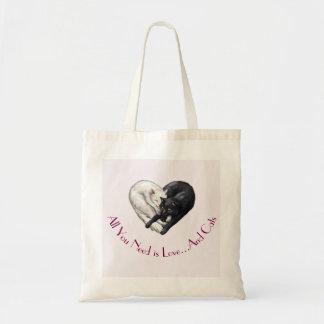 """La bolsa de asas del """"amor y de los gatos"""""""