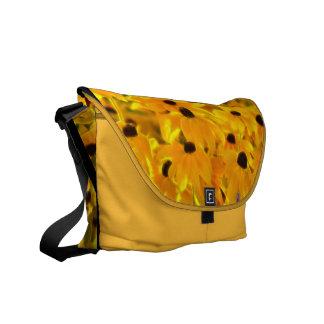 La bolsa de mensajero amarilla de la pintura del a bolsas messenger