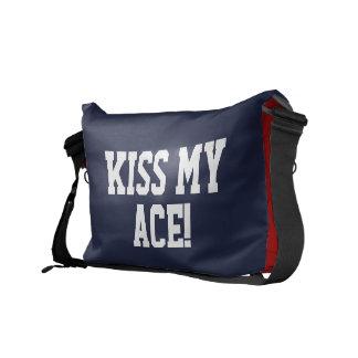 La bolsa de mensajero de encargo para el beso del bolsas messenger