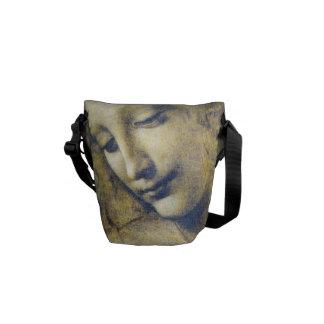 La bolsa de mensajero de la mujer joven de bolsa de mensajería