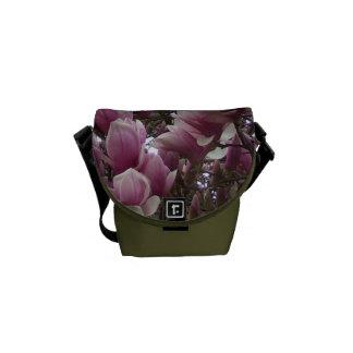 La bolsa de mensajero - magnolia de platillo bolsas de mensajería