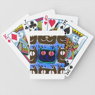 la cabeza del gato azul tejó lo contrario del baraja de cartas bicycle