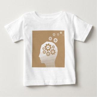La cabeza piensa camiseta de bebé