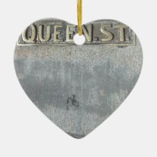 ¡La calle de la reina… consigue sus derechos Adorno Navideño De Cerámica En Forma De Corazón