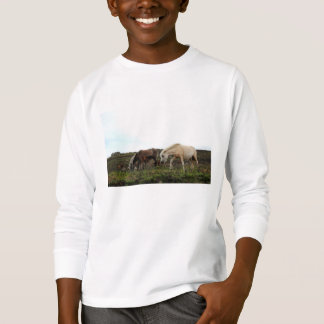 La camisa con mangas larga de los niños salvajes