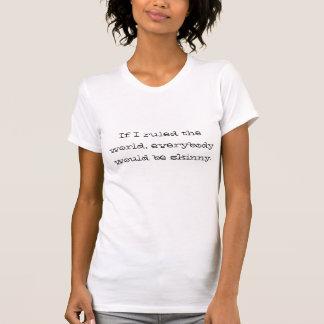 La camisa de las señoras lindas, blancas con lema