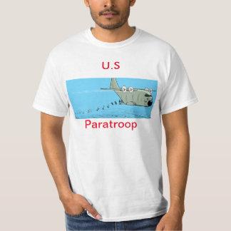 La camisa de los hombres del dibujo animado del