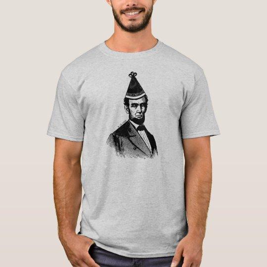 La camisa de los hombres del golpe del cumpleaños