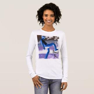 La camisa de manga larga de las mujeres del