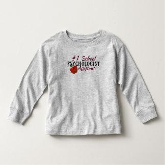 La camisa del ayudante del psicólogo de la escuela