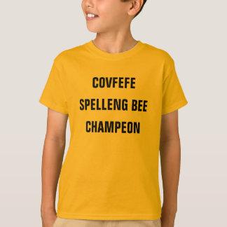 La camisa del muchacho divertido de la ABEJA