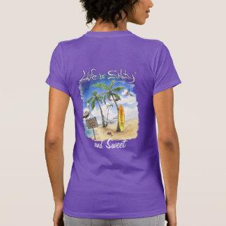 ¡La camisa dulce del estilo que practica surf para
