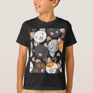 La camisa/la camiseta del niño de los gatitos de