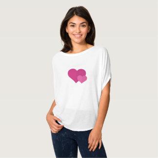 La camisa moderna de las mujeres