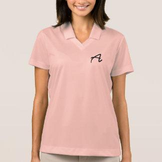 La camisa sport rosada de las mujeres con el