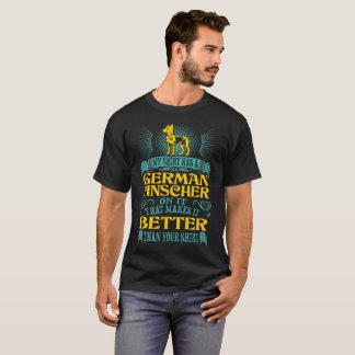 La camisa tiene Pinscher alemán mejor que su