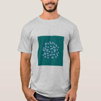 La camiseta básica azul de los hombres de lunares