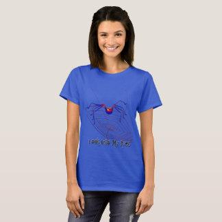 La camiseta básica de 6 del ojo mujeres de la