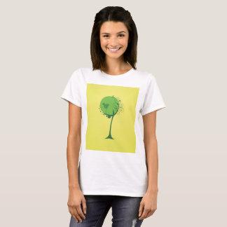 La camiseta básica de las mujeres abstractas del