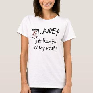 La camiseta básica de las mujeres de los pares de