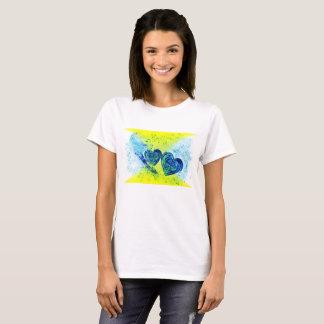 La camiseta básica de las mujeres del corazón