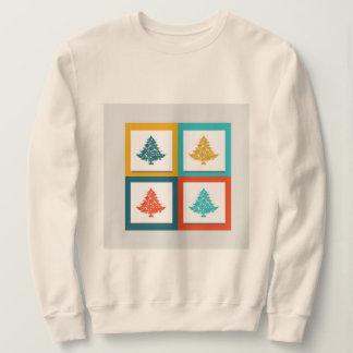 La camiseta básica de las mujeres del modelo del